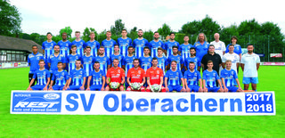 Trainer Marc Lerandy (mittlere Reihe links) mit seinem Kader für die Oberligasaiosn 2017/18