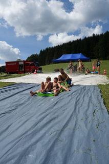 Sommerfreuden herrschen dank der Ferienprogramme von Gemeinden und Städten – wie hier in Hofstetten.