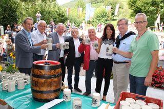 """Auf die deutsch-französische Freundschaft: Gestern wurde das """"Kulinarische Kurparkfest"""" eröffnet."""