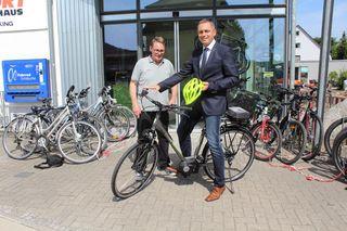 In Zell ist die Stadtverwaltung jetzt auch mit dem E-Bike unterwegs