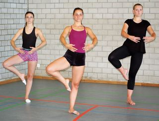 Lara Schwörer, Kristina Fehse, Britta Petersen (v. l.) bei den Proben