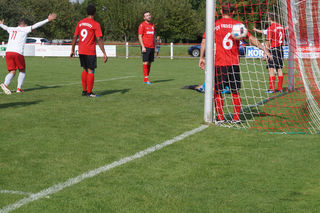 Wieder hat es beim SV Freistett eingeschlagen. Hier kassierten die Rheinauer das 0:3.