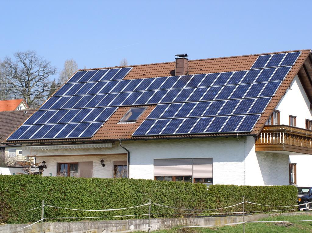 Wer ein Solardach hat, kann E-Solar nutzen.