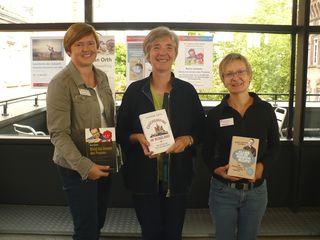 Freuen sich auf vier Veranstaltungen mit den ausgewählten Autoren: Martina Busam, Elisabeth Asche, Bärbel Heer (v. l.)