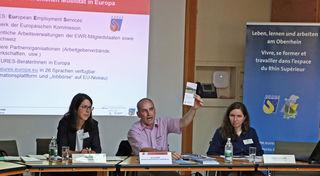 Isabel Parthon, Infobest, Jens Sydow, Eures, und Audrey Schlosser; Infobest, informierten Vertreter Offenburger Unternehmen über den grenzüberschreitenden Arbeitsmarkt.