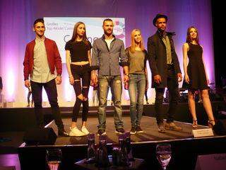 Für sie geht es heute ins Finale: Richard, Selene, Steffen, Michelle, Alfredo und Elena (v. li.).