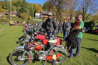 Liebevoll gepflegte Mopeds von Kreidler und Co. waren am Samstag in Kippenheim zu sehen.