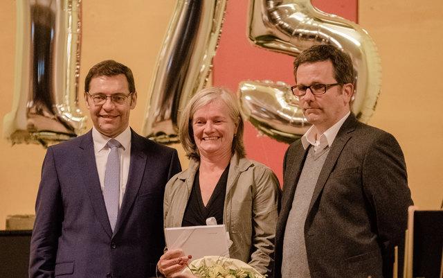 Klaus Muttach (v. l.), Marga Burkhardt und Florian Hofmeister sprachen bei der Feierstunde im Festsaal der Illenau.
