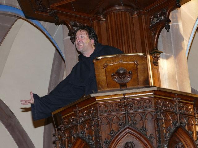 Die Kanzel als Ort für Martin Luthers (Hendrik Papa) Wirken