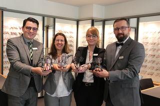 Marius Stippich (von links), Niederlassungsleiterin Claudia Dorfschmid, Kathrin Feitsch und Daniel Mai zählen zum Team der neuen Fielmann-Filiale in der Acherner Innenstadt.