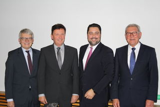 """Die """"Alten"""" und die """"Neuen"""": Hausachs Bürgermeister Manfed Wöhrle, Wolfgang Hermann (künftiger Bürgermeister Hausachs), Haslachs Bürgermeister Philipp Saar sowie Haslachs Alt-Bürgermeister Heinz Winkler"""