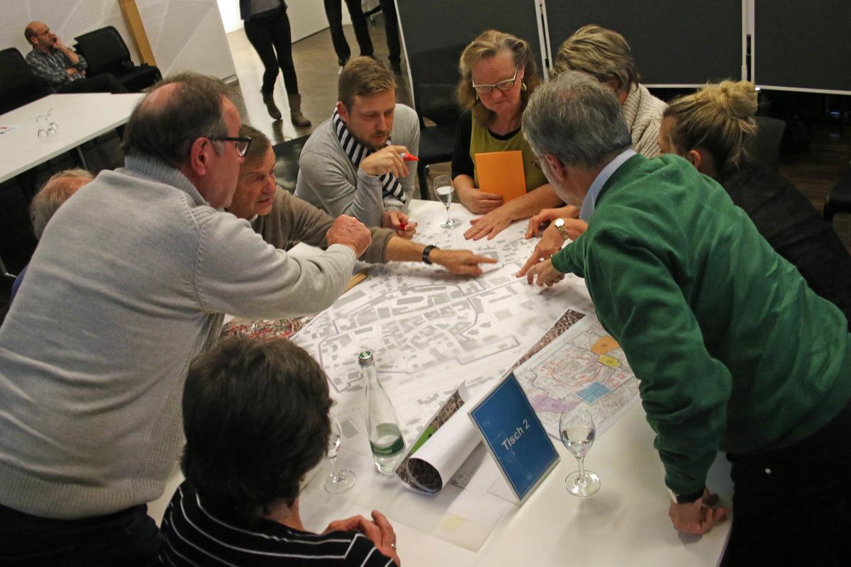 Die Planungswerkstatt Städtebau diskutierte Lösungsansätze für das neue Quartierskonzept in Oberkirch.