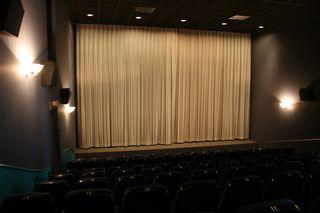 """Im Dezember 1997 wurde der Saal """"Scala"""" im Haslacher Kino Rio-Scala-Hali, benannt nach seinen drei Sälen, wiedereröffnet."""