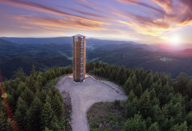 Touristische Ziele, wie der Buchkopfturm in Oppenau, helfen bei der Vermarktung.