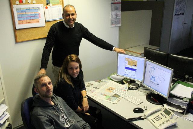 DTP-Chef Rainer Mättler kann stolz auf sein Team sein. Neben Veranstaltungskalender und Sportberichterstattung ist die DTP vor allem auch für den Anzeigensatz zuständig. Zur letzteren Abteilung zählen Patrick Tremmel und Ramona Hofmann.