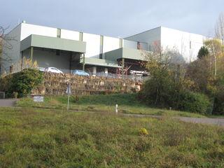 Anlage des Zweckverbands Abfallbehandlung Kahlenberg: Hier wird eine weltweit einzigartige und europaweit patentierte  mechanisch-biologische Abfallbehandlungsanlage betrieben.