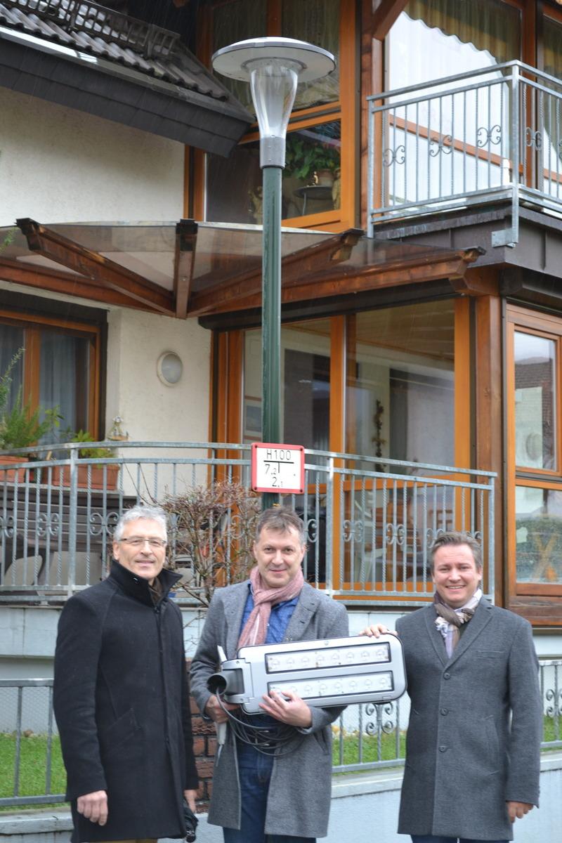 Syna-Kommunalbetreuer Stefan Müller (v. l.),Syna-Planungsleiter Gerd Seifermann und Bürgermeister Oliver Rastetter.