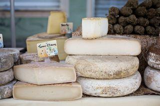 Unser Nachbarland Frankreich ist für seinen Käse berühmt.