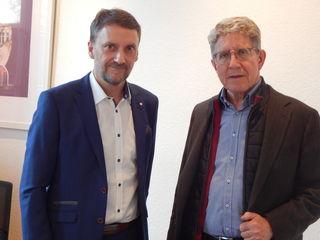 IGZ-Geschäftsführer Markus Ibert (links) und Oberbürgermeister Wolfgang G. Müller wollen jetzt schon Weichen für das Güterverkehrterminal stellen, das frühestens 2013 realisiert wird.