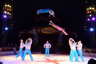 Die Puje-Truppe sind akrobatische Multitalente aus der Mongolei.