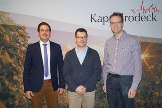 Bürgermeister Stefan Hattenbach (von links), Schulsozialarbeiter Manuel Bahr und Hauptamtsleiter Martin Reichert
