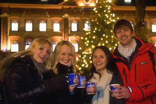 Den Glühwein beim Adventsmarkt in Gengenbach können Besucher mit einheitlichen und auch aktualisierten Tassen erleben.