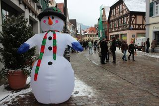 Vom 4. bis zum 7. Januar finden die Haslacher Schnäppchentage im Rahmen des Winterfestes 2018 statt.