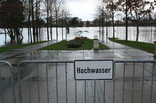 In Kehl wurde das Rheinvorland gesperrt.