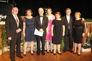 Über das stolze Spendenergebnis freuten sich (von links) Bernd und Inge Rendler, die Ärzte der Freiburger Kinderonkologie Matthias Brandis, Simone Hettmer, Charlotte Niemeyer sowie Werner und Ursula Kimmig.