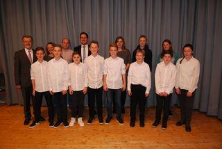 In würdigem Rahmen wurde das Jungmusikerleistungsabzeichen des Bundes Deutscher Blasmusik an erfolgreiche Jungmusiker verliehen.