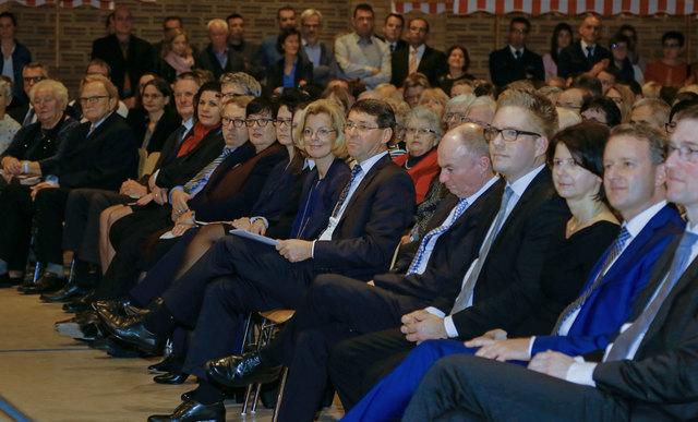 Bürgermeister Bruno Metz (Mitte) hat im Rahmen des Neujahrsempfangs angekündigt, erneut bei der anstehenden Wahl zu kandidieren.