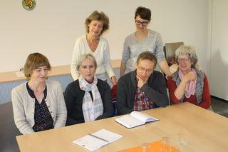 Elke Ziriakus (hinten v. l.), Stefanie Brüschke (Caritas), Constanze Blank (Caritas, vorne v. l.), Ingrid Matt, Martin Hartmann und Christa Kaufmann zogen Zwischenbilanz.