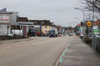 Am Beispiel der Freiburger Straße, die 2019 umgebaut werden soll, entzündet sich der Streit um die Radfahrstreifen erneut.