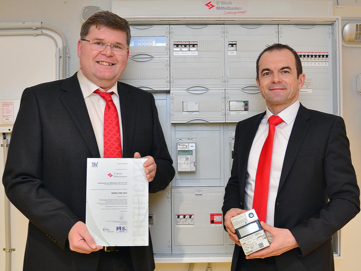 Michael Rieger (links) und Jürgen Thoma begleiteten den Zertifizierungsprozess im Unternehmen.
