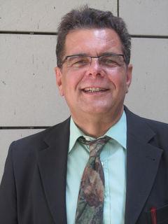 Dr. Patrik Schneider