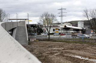 Jetzt sind es personelle Engpässe in der beauftragten Stahlbaufirma, die die Fertiggstellung der Ortenau-Brücke weiter verzögern.