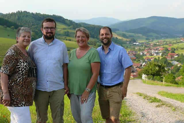 Der Vereinsvorstand realisierte das Welschensteinacher Dorfladen-Taxi: Christl Weber (v. l.), Alexander Kern, Susan Dreschler und Björn Krugielka