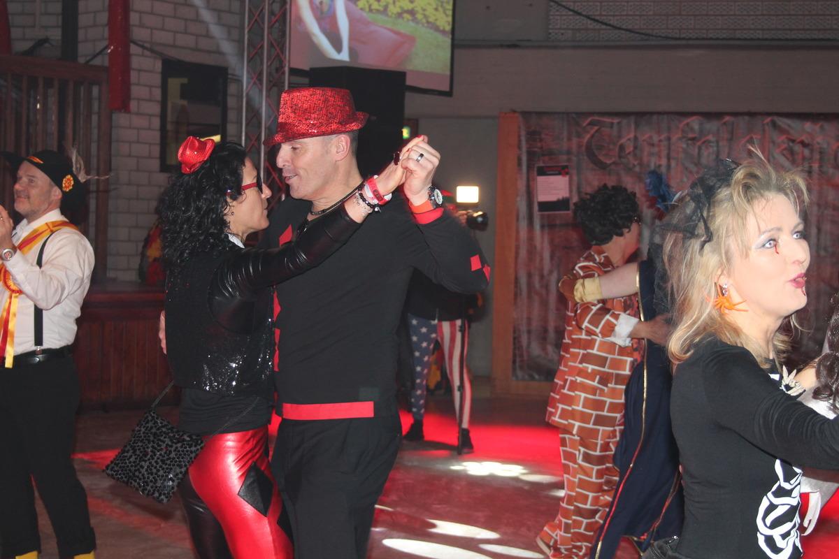 Nicole Storz mit Joachim Späth auf der Tanzfläche