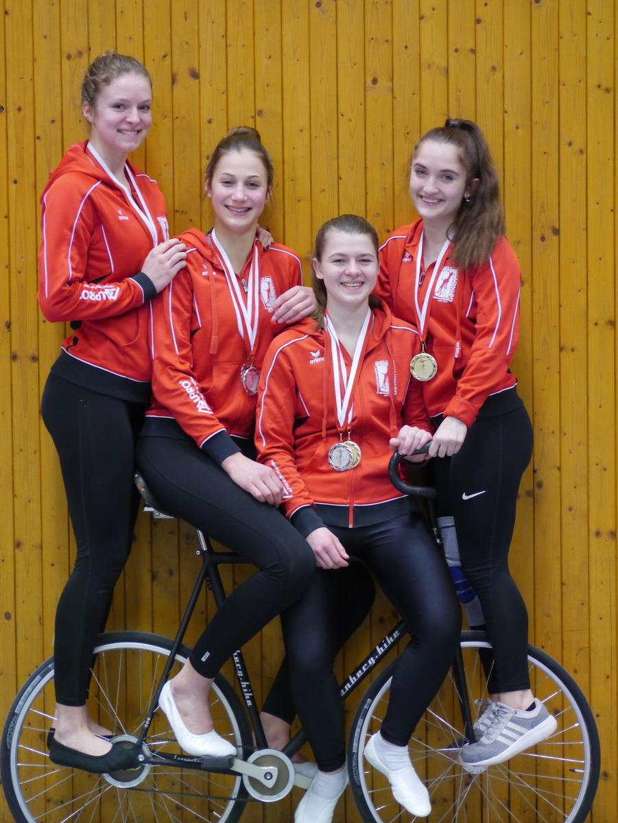 Die erfolgreichen Kunstradfahrerinnen des RSV Gutach