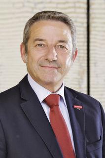 Johannes Ullrich stellt die verschiedenen Angebote der Handwerkskammer Freiburg im Bereich Ausbildung und Jugend vor.