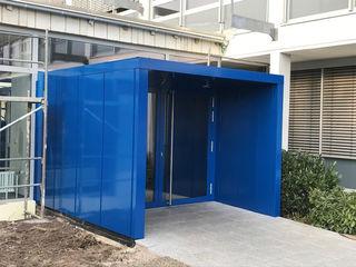 Energetische Sanierung an den Beruflichen Schulen Achern, Erneuerung Verglasung und Fassadendämmung: der neue Eingangsbereich