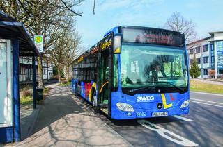 Mit dem Freizeitbus der SWEG geht es über den Schönberg nach Biberach.