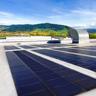 Fotovoltaikanlage auf dem Dach des Werkes in Biberach