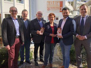 Von links: Sven Kessel (Signal Iduna), Joachim Lienert (Gdp), Bernd Rendler, Elke Birmele (GdP), Andreas Heck und Roman Rotzinger (BB-Bank).