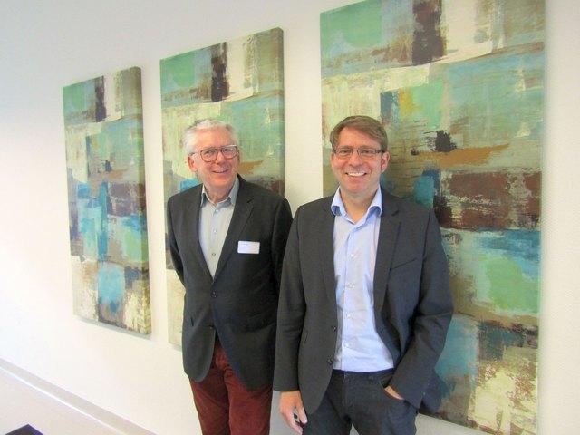 Dr. med Tobias Hornig (rechts) folgt auf Dr. med Luz Wolf