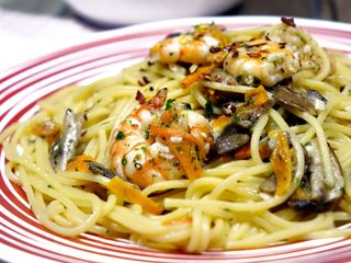 Spaghetti mit Meeresfrüchten schmecken ausgezeichnet.