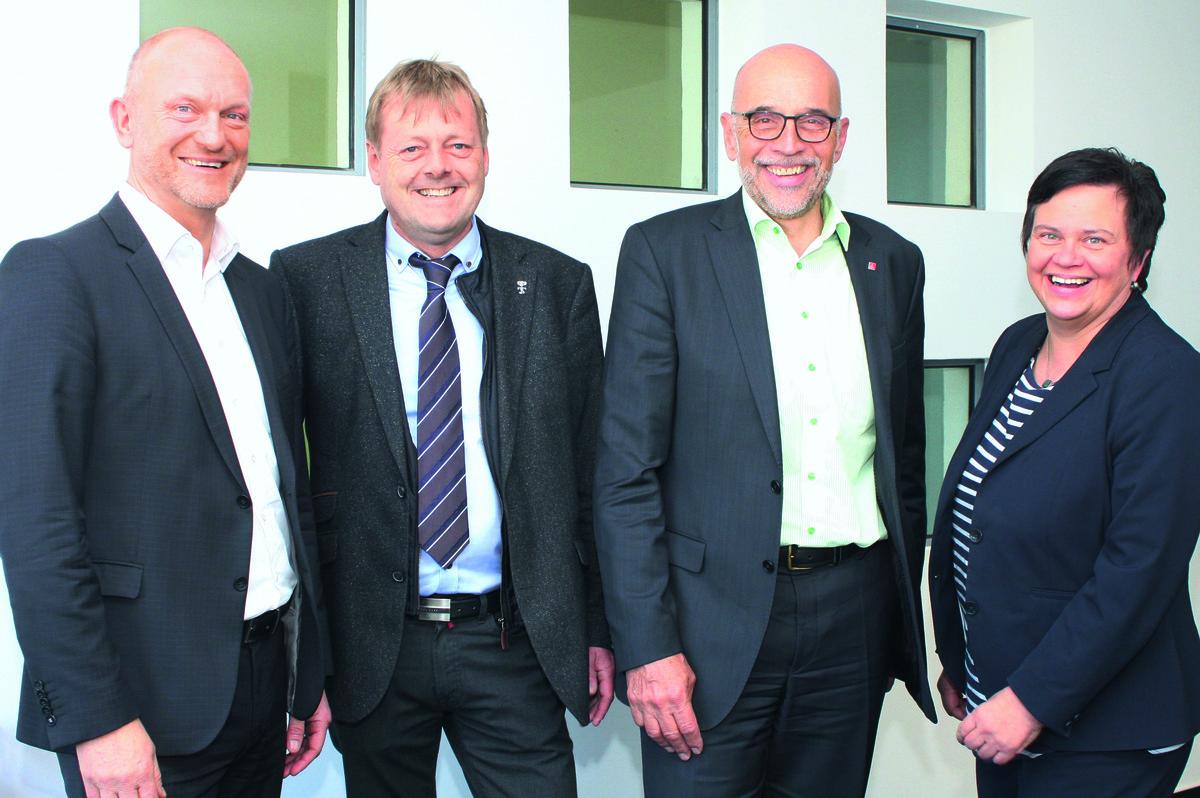 Wolfgang Schweizer (von links), Geschäftsführer der AOK Südlicher Oberrhein, Armin Schmidt und Hermann Spieß, alternierende Vorsitzende, Petra Spitzmüller, stellvertretende Geschäftsführerin