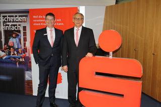 Stellten die Bilanzzahlen vor (v. l.): Vorstandsvorsitzender Bernd Jacobs und Vorstandskollege Klaus Minarsch