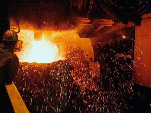 Seit 50 Jahren wird in den Badischen Stahlwerken aus Schrott Stahl hergestellt.