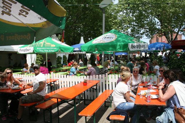 Biergartenatmosphäre auf dem Kehler Marktplatz